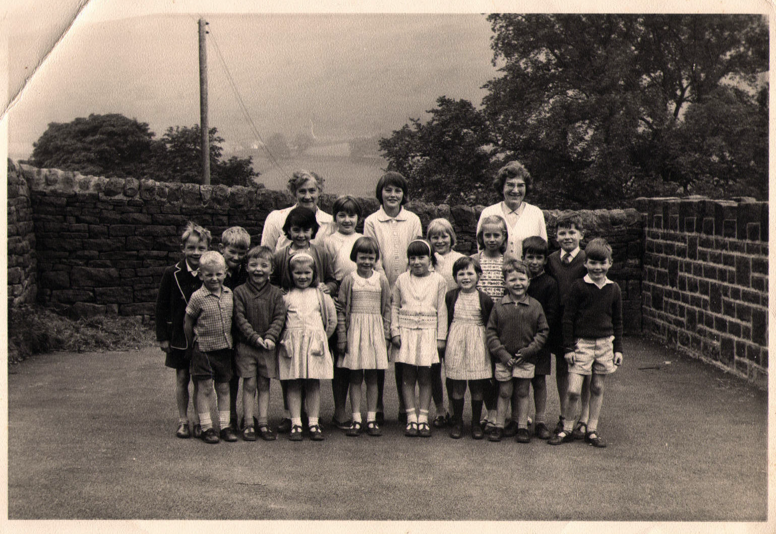 Miss Dorah Weeds Headteacher and pupils in 1966